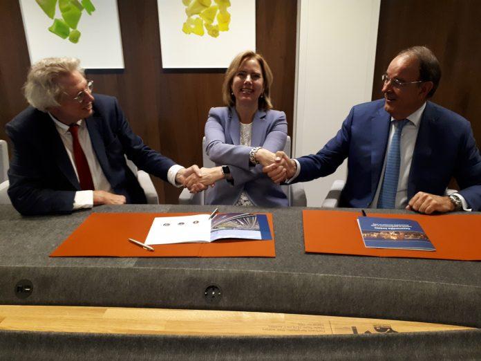 Overhandiging Visie Handel en Logistiek in 2040 aan minister Van Nieuwenhuizen