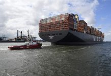 Aankomst MSC Gülsün: 's werelds grootste containerschip in haven Rotterdam