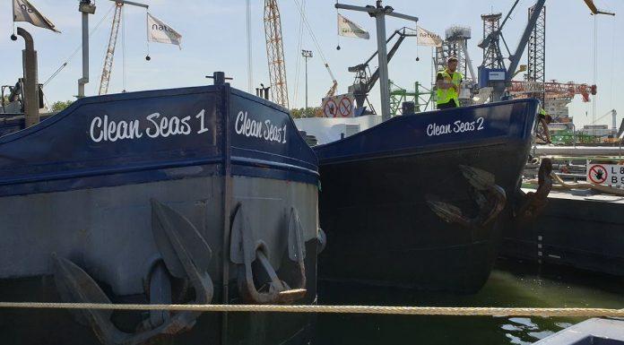 Scrubbers clean seas Port of Rotterdam